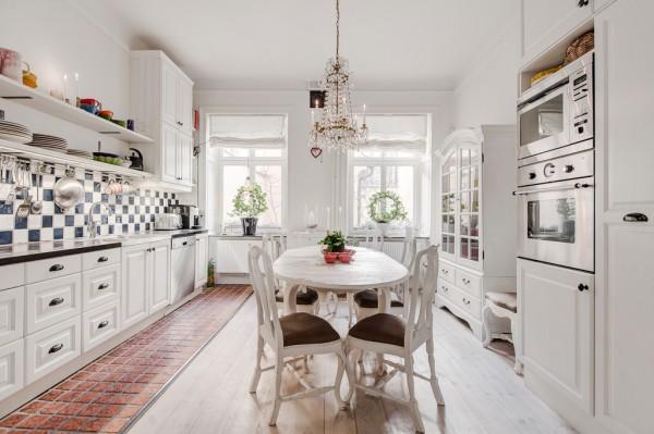 4-Classic-white-kitchen-diner-600x399