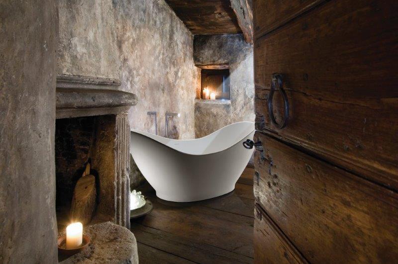 Assymetrycal Bathtub
