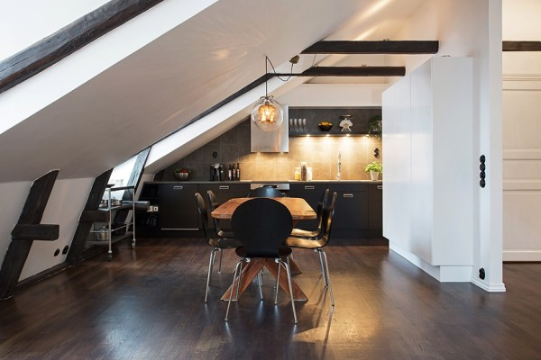 1-Best-Black-dining-chairs-600x400homemajestic.com