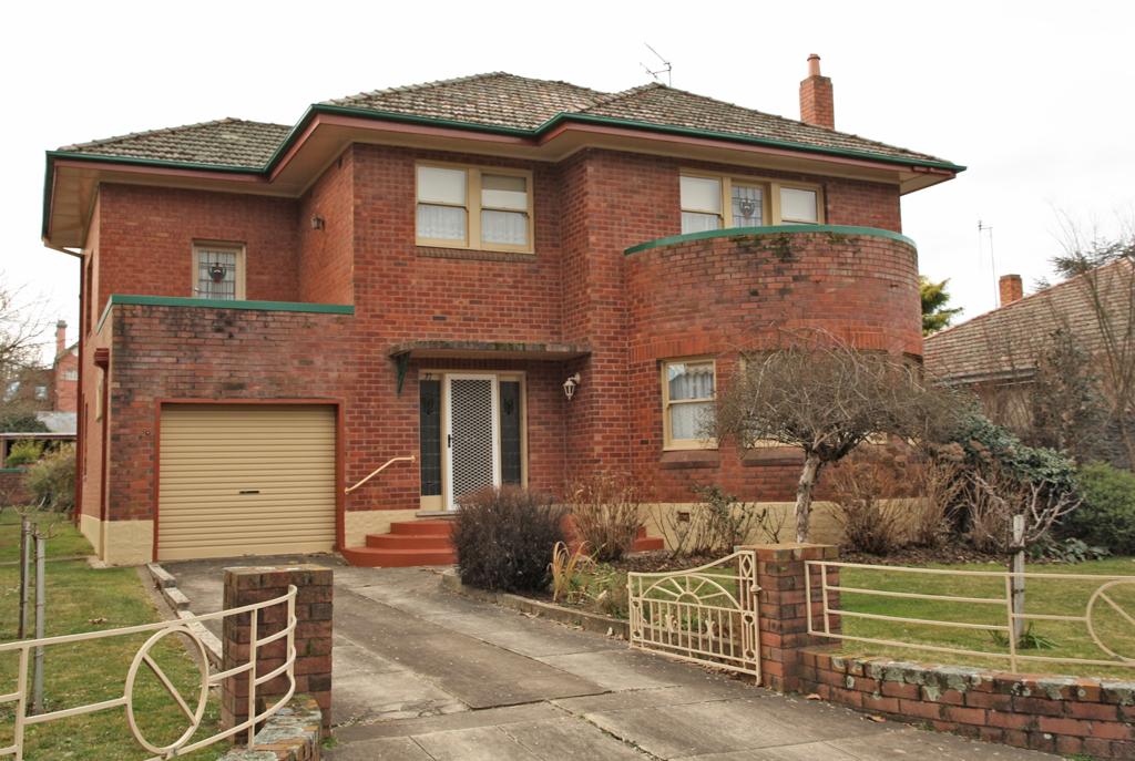 Orange_NSW_Brick_House