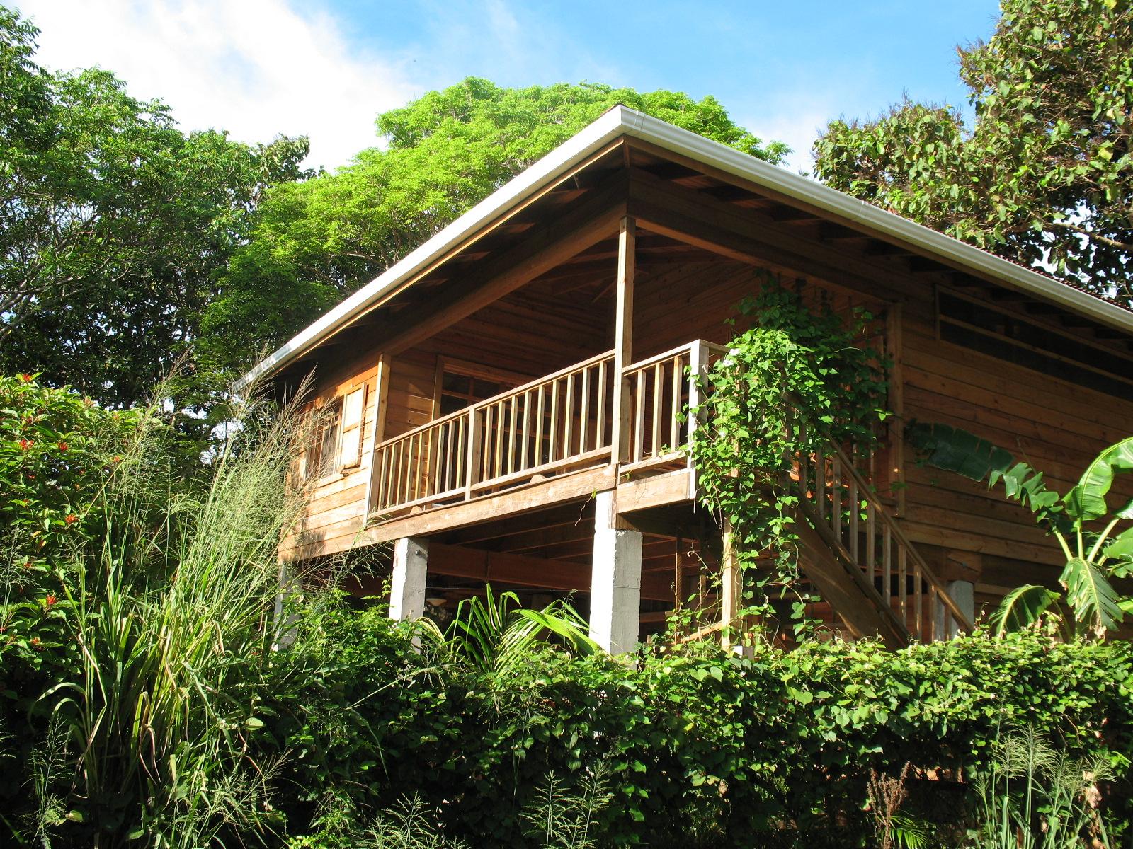 eco-house-vacation-rental-utila-the-bay-islands-honduras-1600x1200