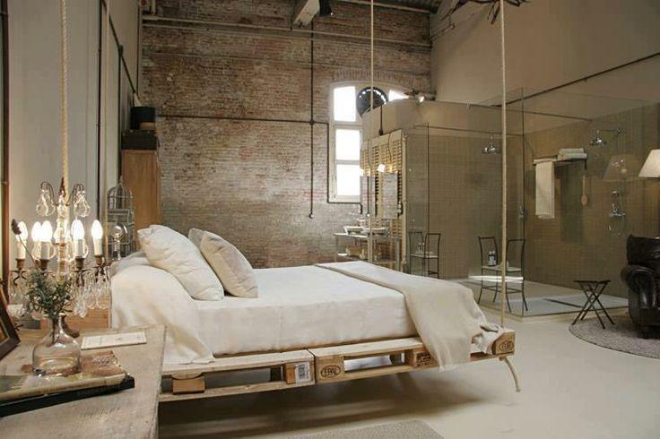 pallet-hanging-bedroom