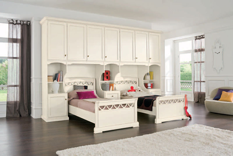 Double-Bed-Girl-Room-Classic-Style-with-White-Color
