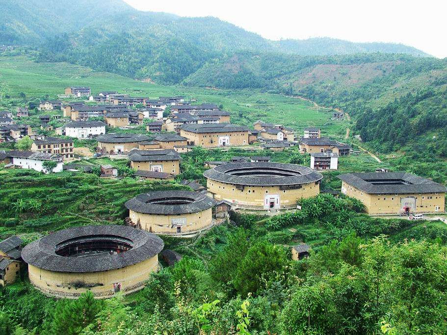 groups-of-Tulou-in-Chuxi