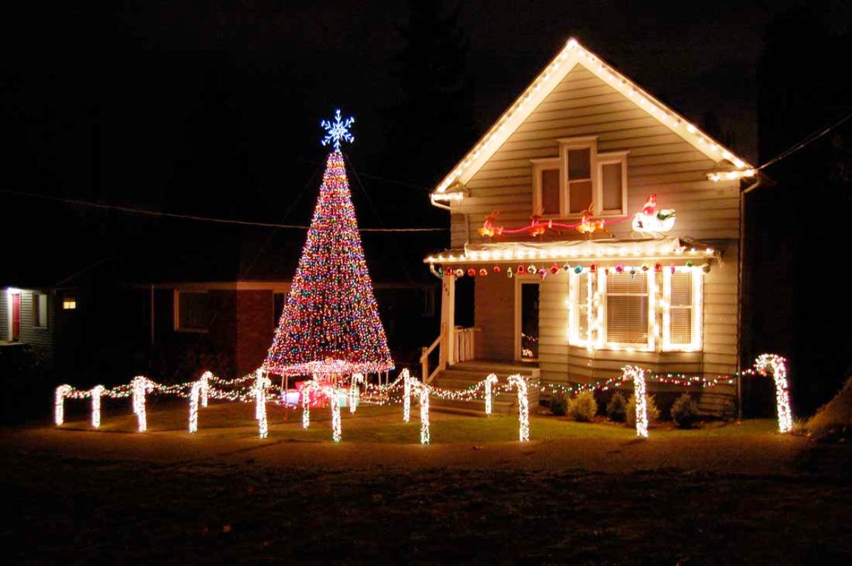 Christmas-House-Decorations