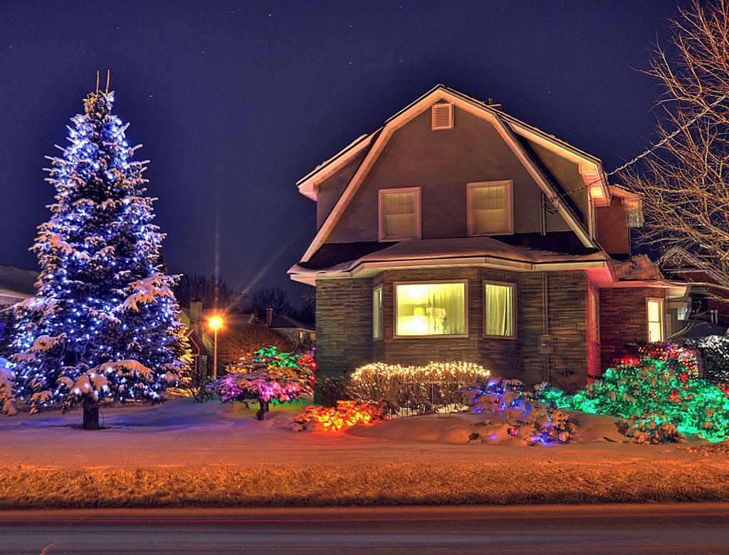 Byron-house-snow-comp.jpg