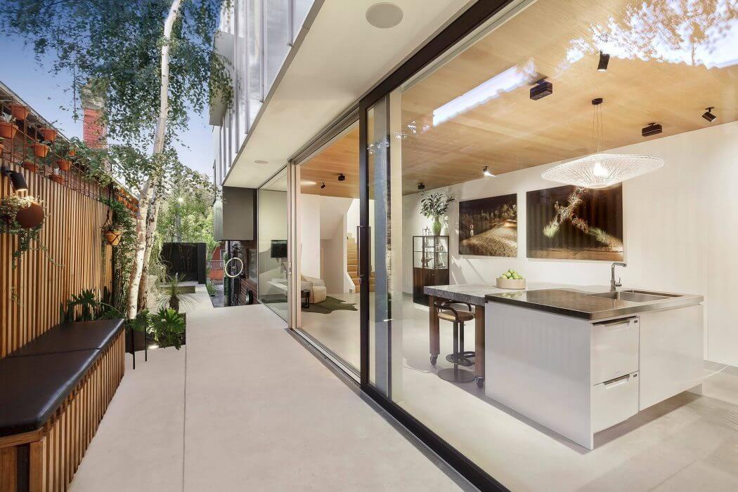 012-windsor-residence-urban-angles-1050x701
