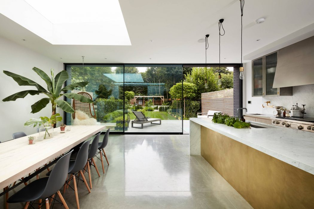 002-house-ade-architecture-1050x700