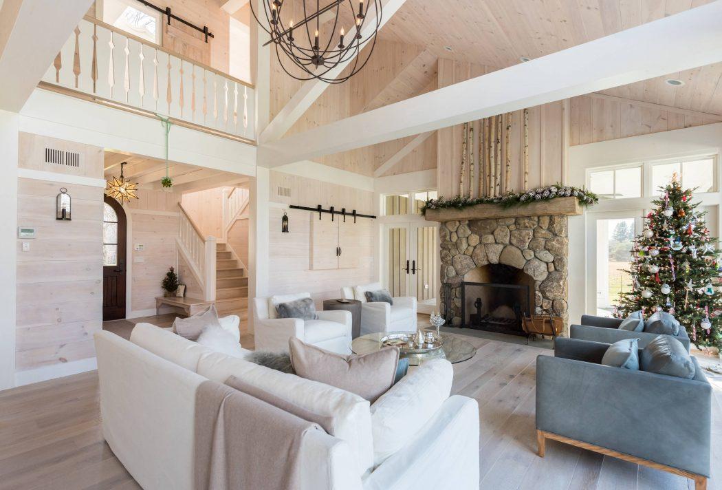 015-gothic-cottage-daniel-contelmo-architects-1050x712
