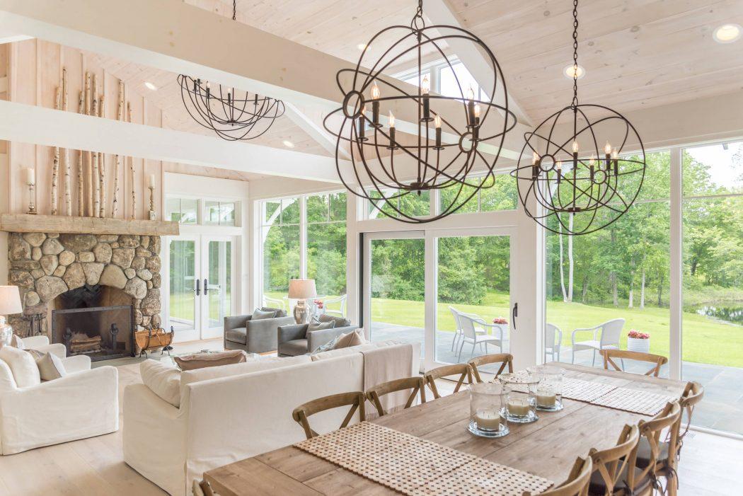 023-gothic-cottage-daniel-contelmo-architects-1050x701