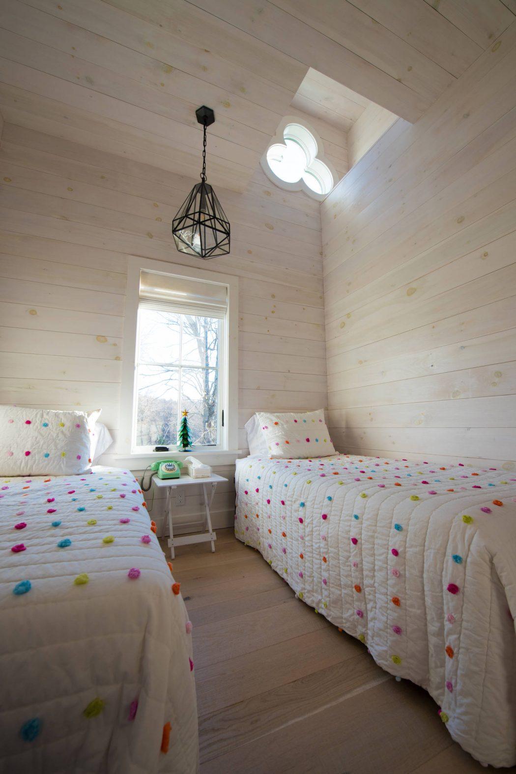 038-gothic-cottage-daniel-contelmo-architects-1050x1574